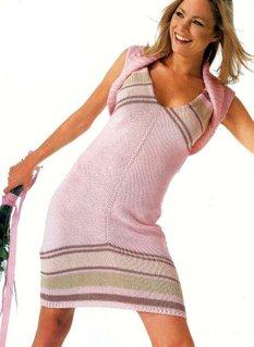Розовое летнее вязаное платье