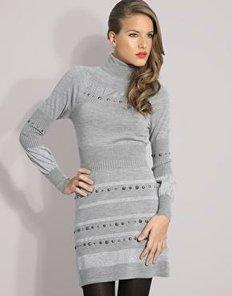 Серое трикотажное платье